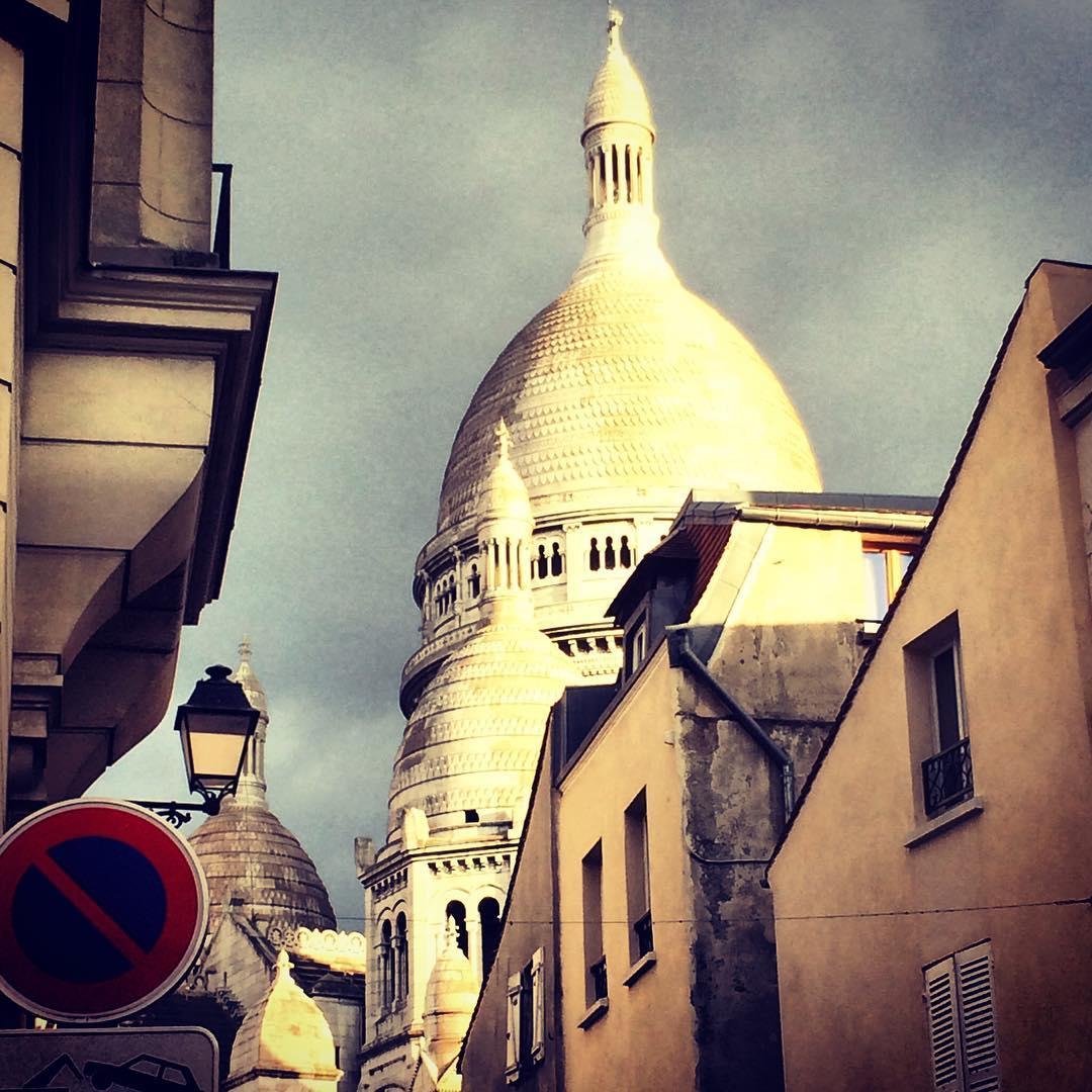 Dans les rues de.  🌞 ️