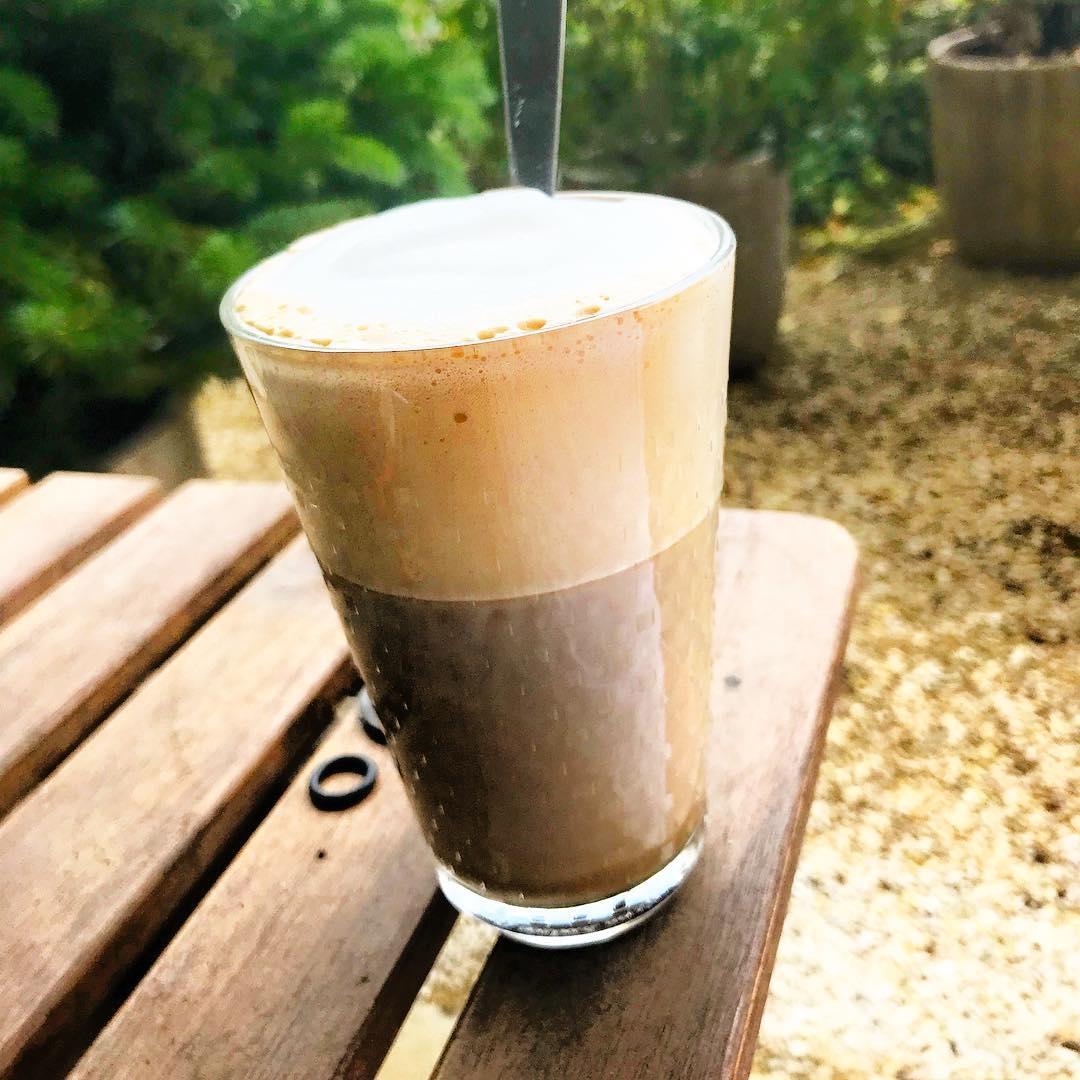 :  Le meilleur café crème (sucrée) du monde ! 🌳🌞 ️