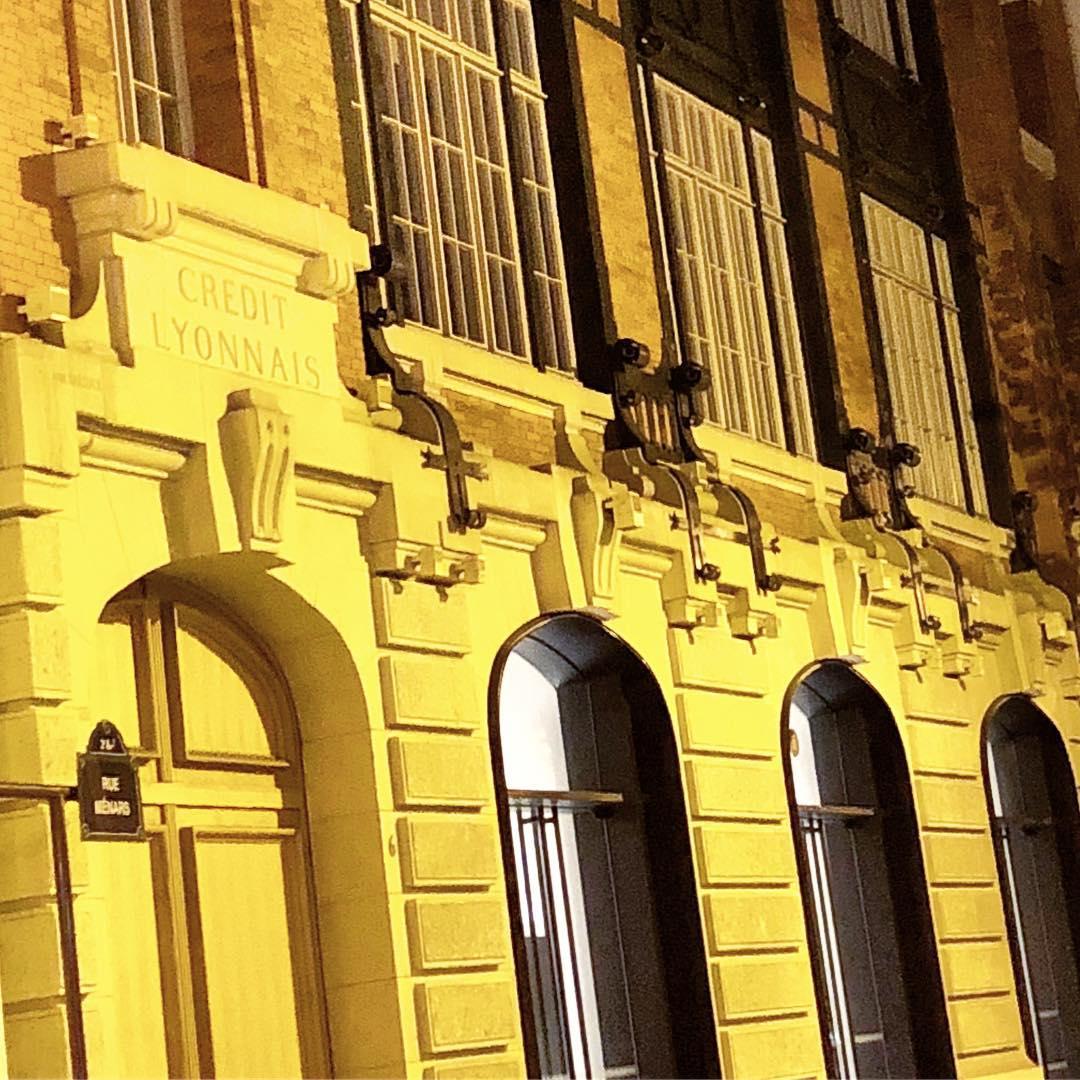 Le plus bel immeuble industriel de Paris 🌞 ️ dédicace à Marie @latete_enlair
