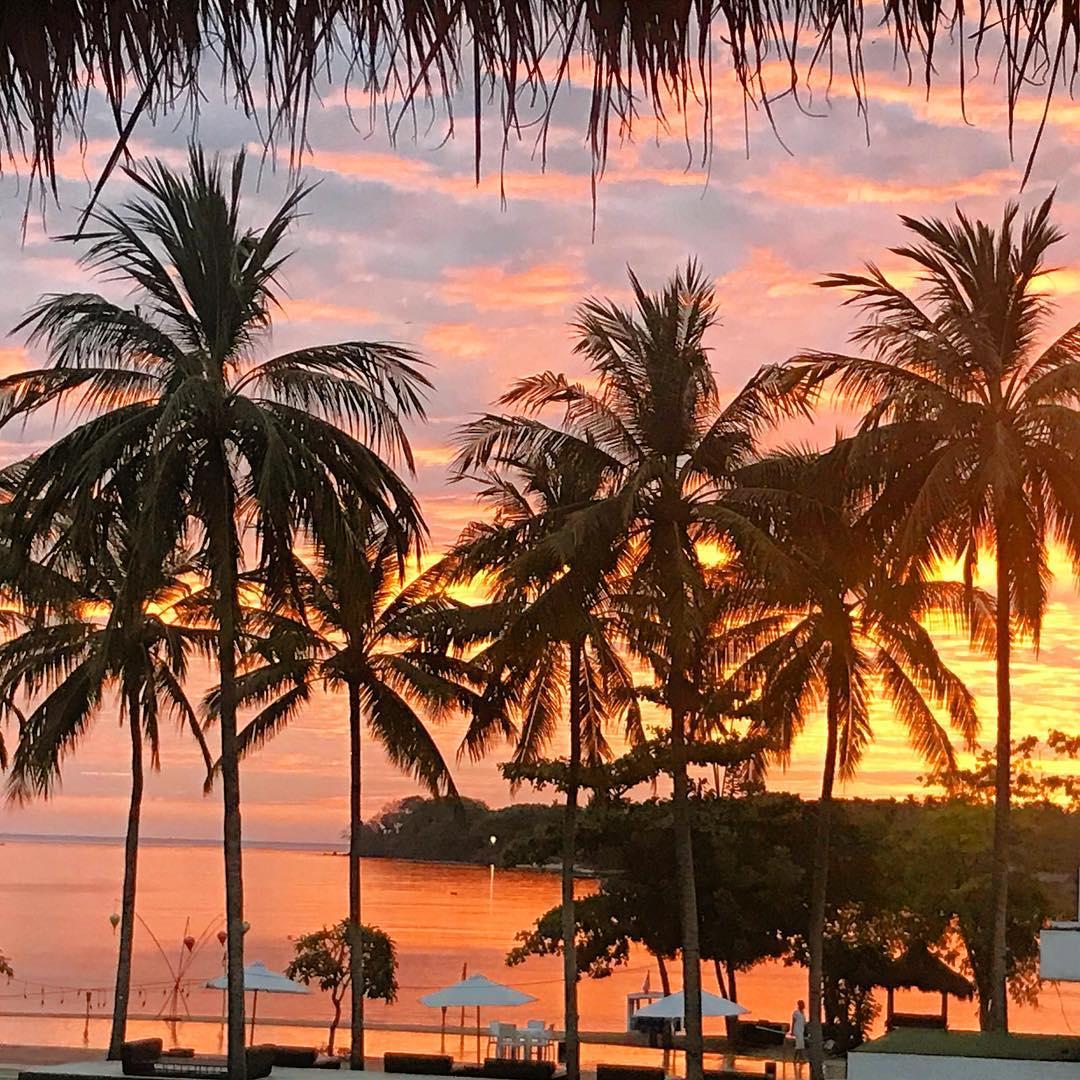 Une pensée pour cette belle île de ⛱ ️ ️ ️