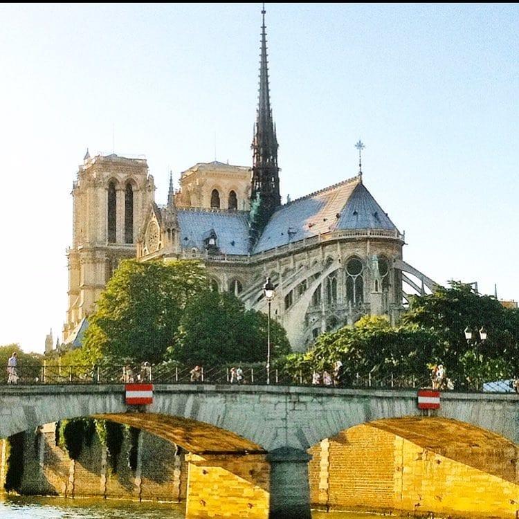 #Notre-Dame 🌞 ️