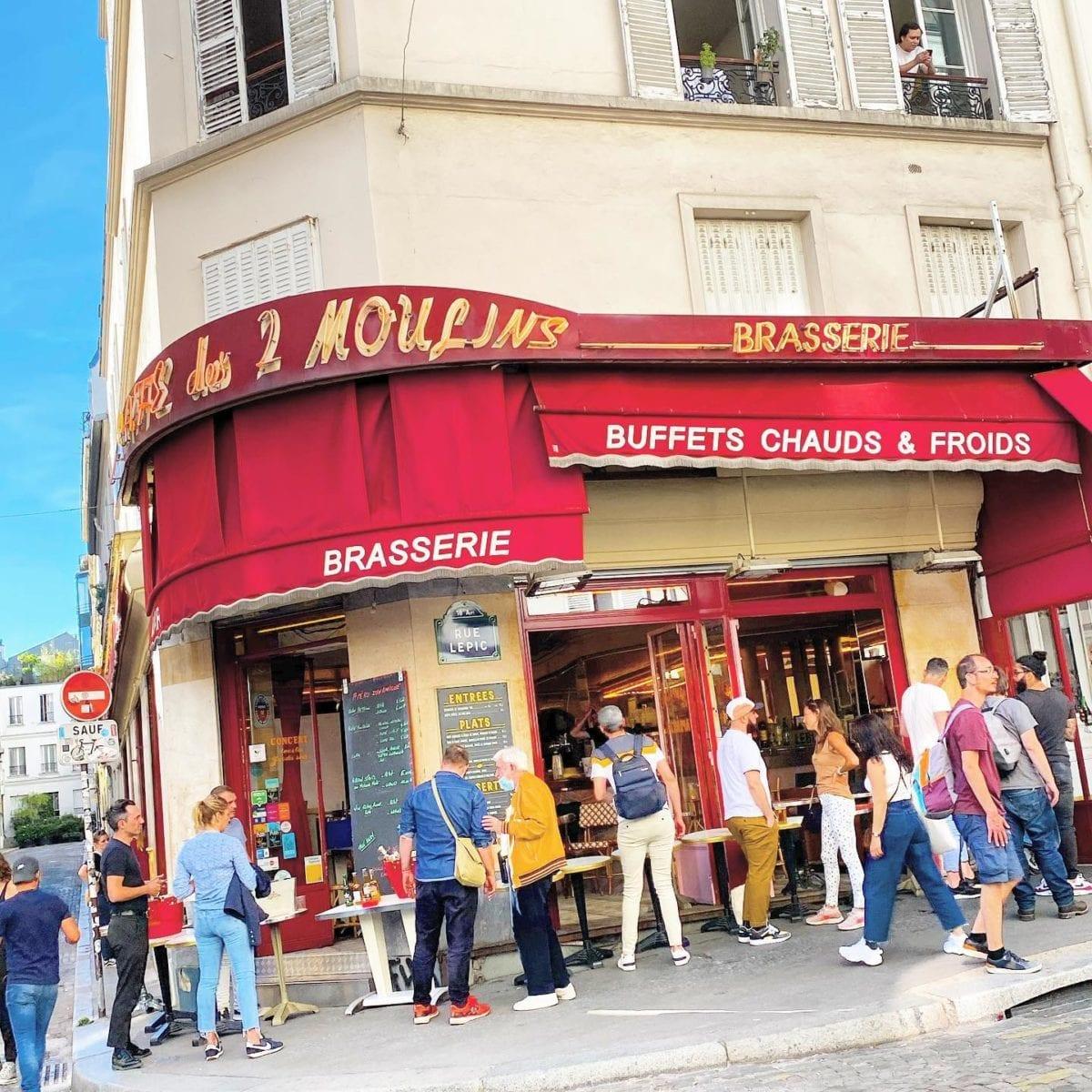 Dans les rues de  🌞 ️ @mairie18 @cafedes2moulinsofficiel